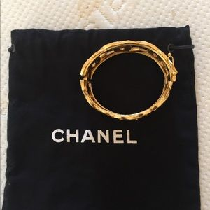 CHANEL Jewelry - Lovely vintage Chanel bracelet